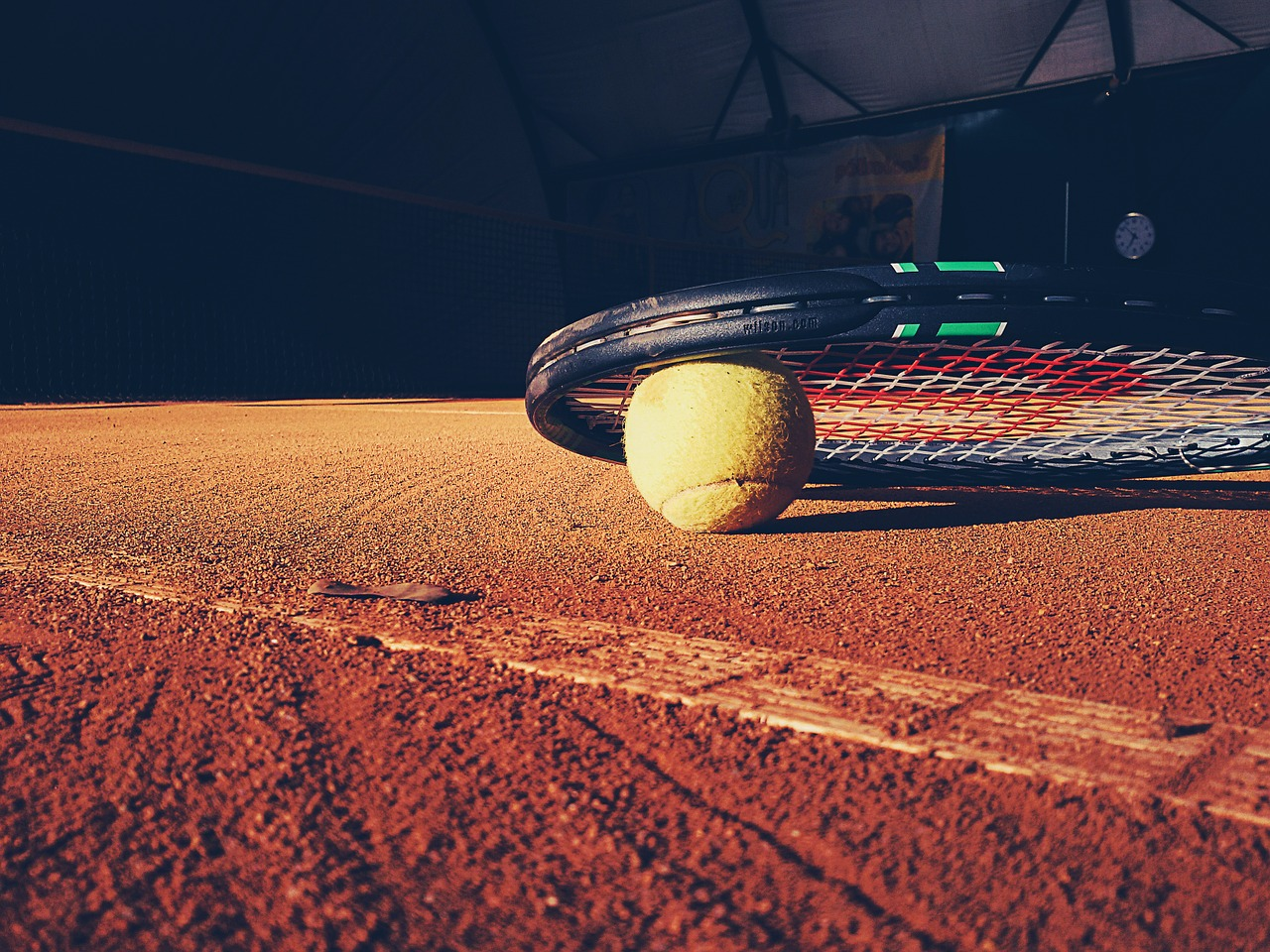 A Look at the 4 Different Tennis Court Surfaces