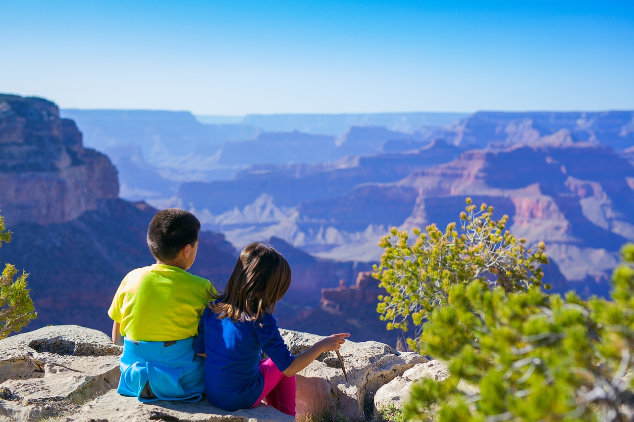 Hiking with Kids – 7 Tips to Help Everyone Have Fun