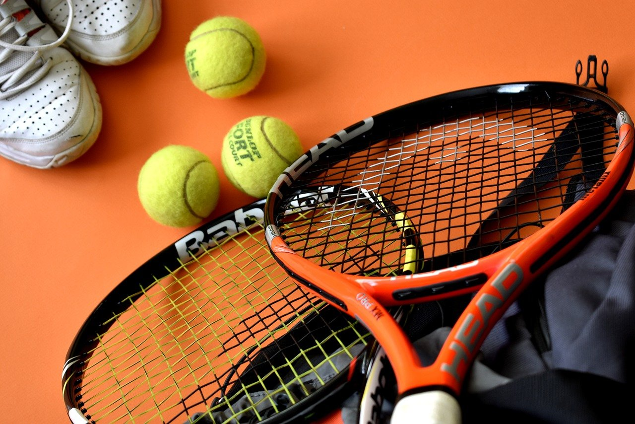 6 Important Things to Look for in a Tennis Racket